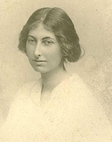 Margaret-Kennedy-portrait.jpg-nggid03189-ngg0dyn-0x0x100-00f0w010c010r110f110r010t010